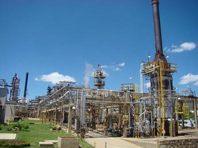 Fabricación de Horno de crudo, serpentines, y estructuras para Refinería