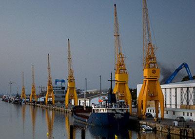Montaje cargadero mineral y tolva ecológica Puerto de Huelva